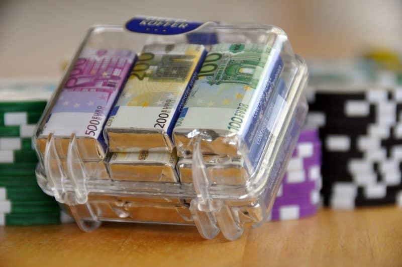 Подарочные акции за открытие ИИС в Тинькофф Банке