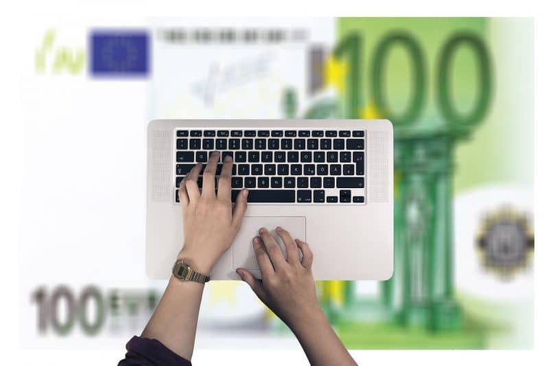 Как зарабатывать 500 рублей в день в интернете?
