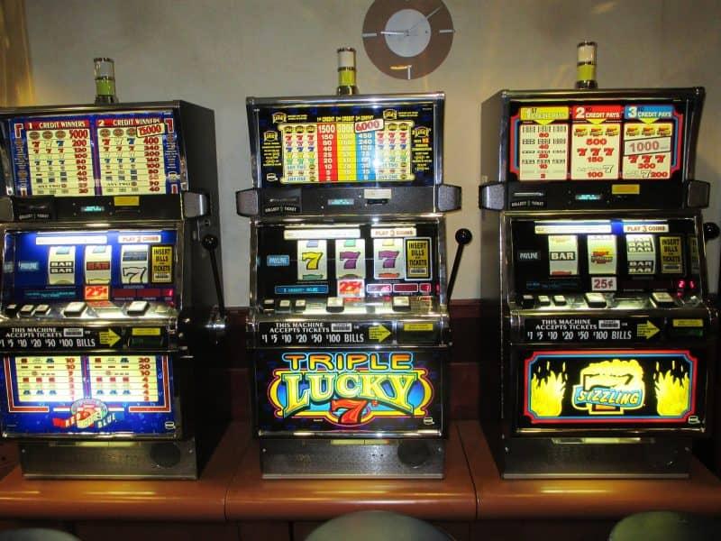 Как заработать на игровых автоматах и возможно ли это?