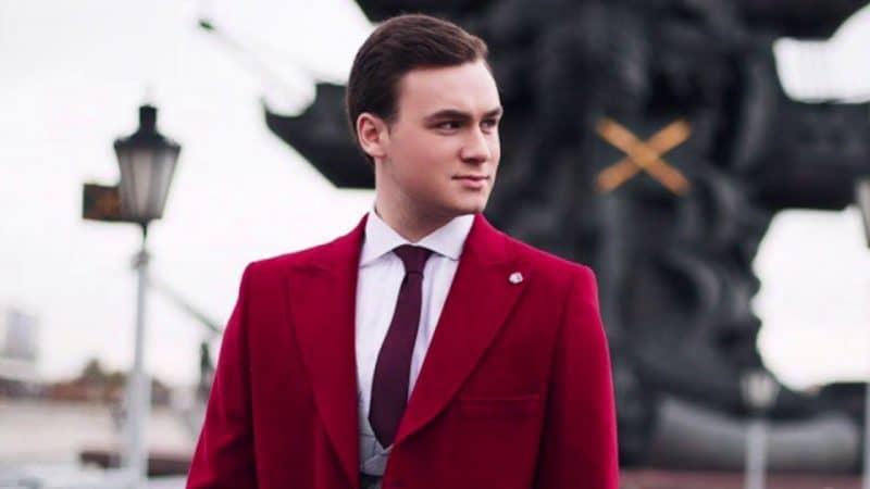 Сколько зарабатывает Николай Соболев?